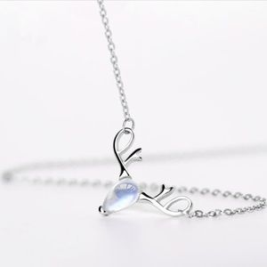 NEW S925 silver reindeer moonstone necklace